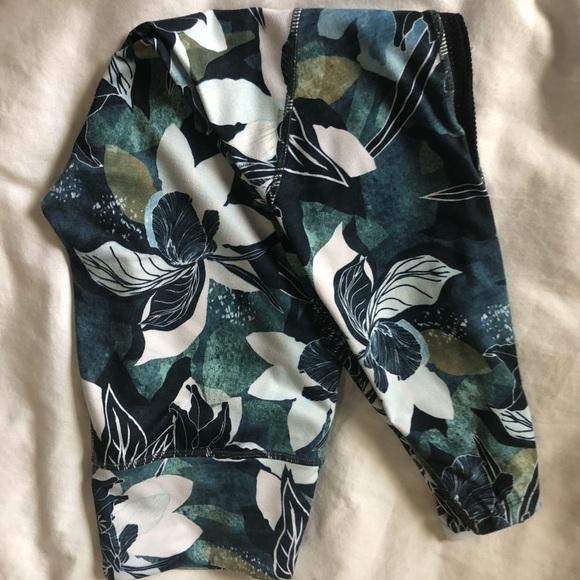 Athleta Pants - Athleta crop leggings